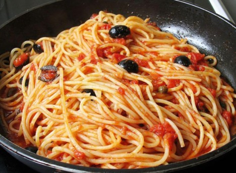 JStar's simple PUTTANESCA SAUCE for SPAGHETTI